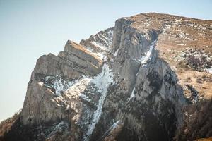 primavera nelle montagne della Crimea foto