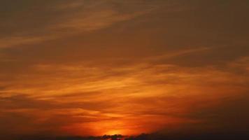 cielo arancione astratto in background foto