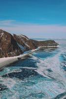 lago baikal ghiacciato in siberia