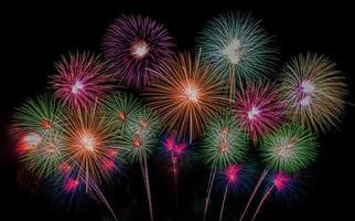 fuochi d'artificio sulla spiaggia di pattaya