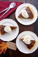 torta di noci pecan tradizionale del ringraziamento.