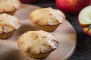 piccole torte di mele fresche fatte in casa