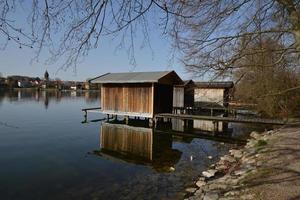 piccole case sul lago foto