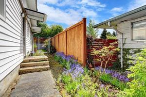 portico della casa con cortile foto