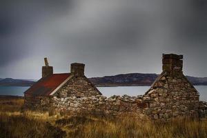 casa abbandonata costa occidentale della Scozia. foto