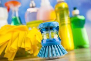 gruppo di pulizie assortite, tema colorato lavoro a casa foto