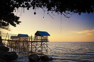 capanne di spiaggia nipa foto