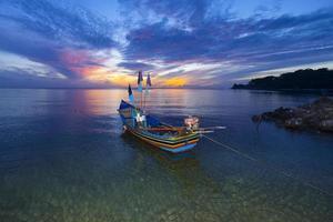 piscicoltura a yoh island, songkhla, thailandia