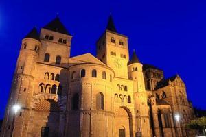 cattedrale di treviri di notte