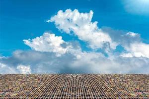 mosaico con cielo e nuvole foto