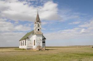 chiesa rurale abbandonata 2 foto