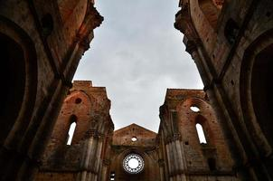 abbazia di san galgano rovina, toscana