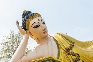 immagine sdraiata di buddha