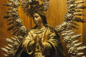 statua della madonna. cattedrale di siviglia. siviglia (spagna)