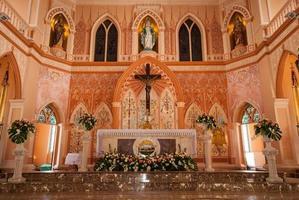 gesù cristo nella chiesa cattolica romana a chanthaburi provinc foto
