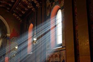 raggi di sole che passano attraverso le finestre foto