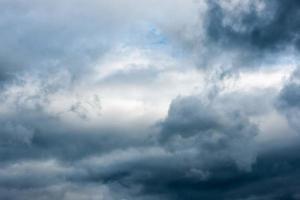 drammatiche nuvole tempestose