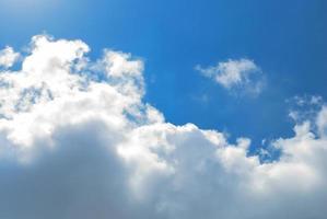 clound nel cielo blu