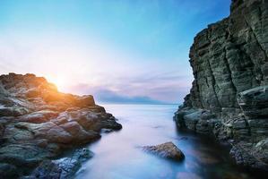 bellissimo paesaggio marino. foto
