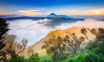 vulcano monte bromo, java orientale, surabuya, indonesia
