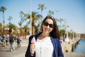donna turista in città