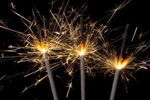 stelle filanti di fuochi d'artificio foto