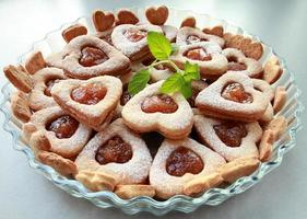 biscotti a forma di cuore foto