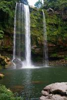 cascata misol-ha vicino a palenque, chiapas, messico