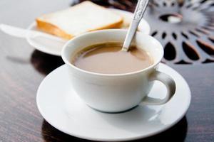 colazione con caffè e pane