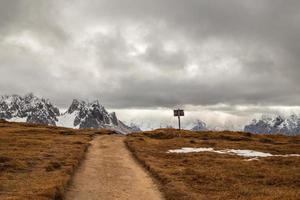 segnale per percorso trekking