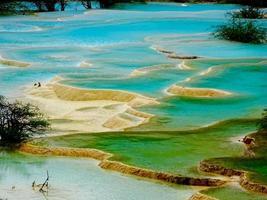 acqua del parco nazionale di jiuzhaigou foto