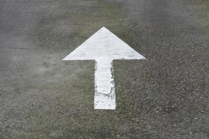 freccia segnaletica stradale