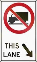 camion vietato corsia di destra in canada foto