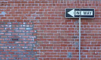 segnale stradale unidirezionale foto