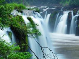 cascata di tad-pa suam nella provincia di champasak, laos meridionale.