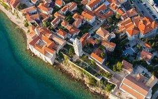 vista aerea dell'isola di rab linea costiera croata