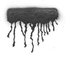 inchiostro di vernice spray nera che gocciola su sfondo bianco