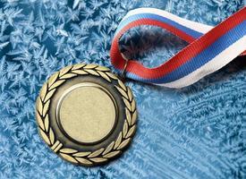 medaglia in metallo con nastro tricolore foto