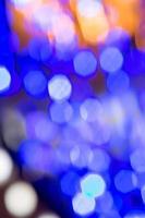 bellissime luci bokeh come sfondo. globi di luce multicolori.