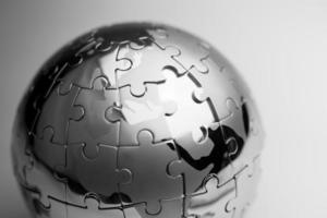 strategia globale e soluzione concetto di business, puzzle