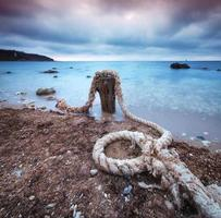 corda sul mare foto