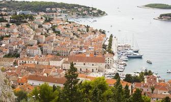 vista della città di hvar, croazia. foto