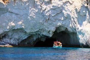 esplorazione della grotta foto