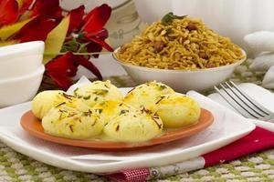 cibo dolce tradizionale indiano speciale ras malai foto