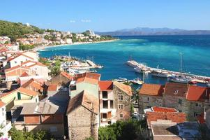 splendida vista panoramica azzurra su podgora in croazia foto