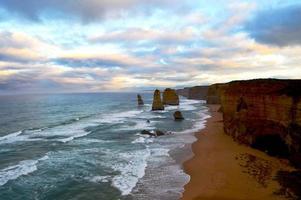 dodici apostoli all'alba (australia)
