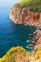 bellissima baia di antalya turchia foto