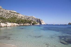 Vista della baia di Sormiou a Calanques, Marsiglia, Francia meridionale