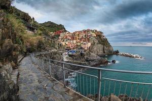 villaggio di manarola, sulla costa delle cinque terre d'italia