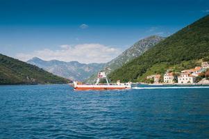 traghetto foto